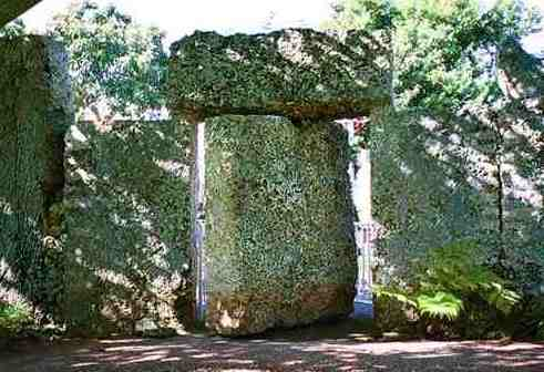 Nine-Ton gate at Coral Castle Can Be Opened by Five-Year Old Child